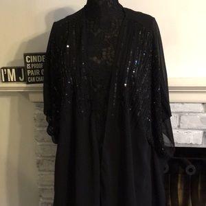 Accessories - Beautiful short sleeve dress shawl.